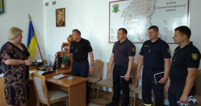 Віталій Деркач - другий ліворуч