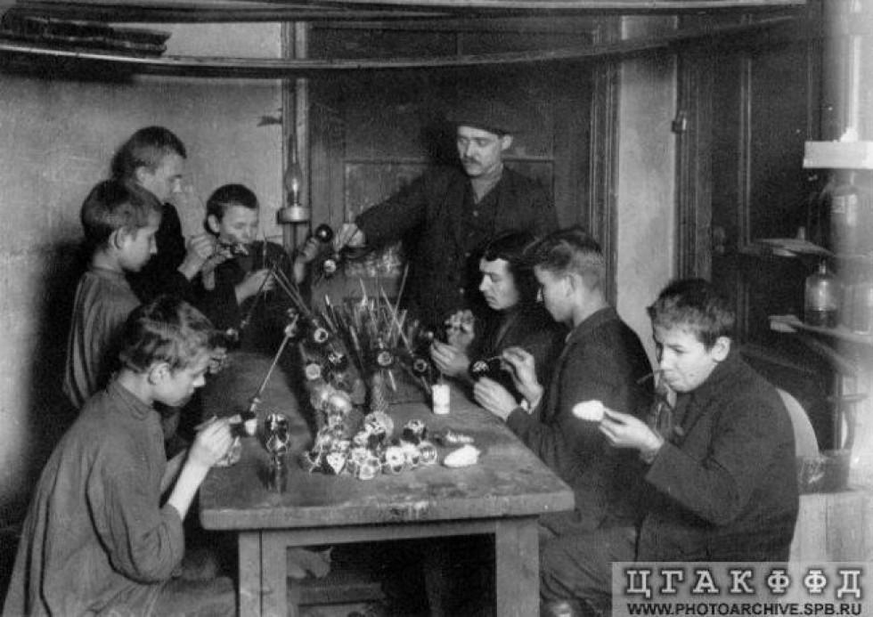 Виготовлення ялинкових прикрас в Російській імперії. поч. ХХ століття.