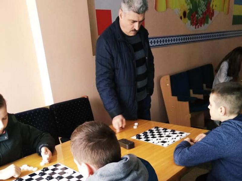 Визначили чемпіонів селищної ради з шахів і шашок