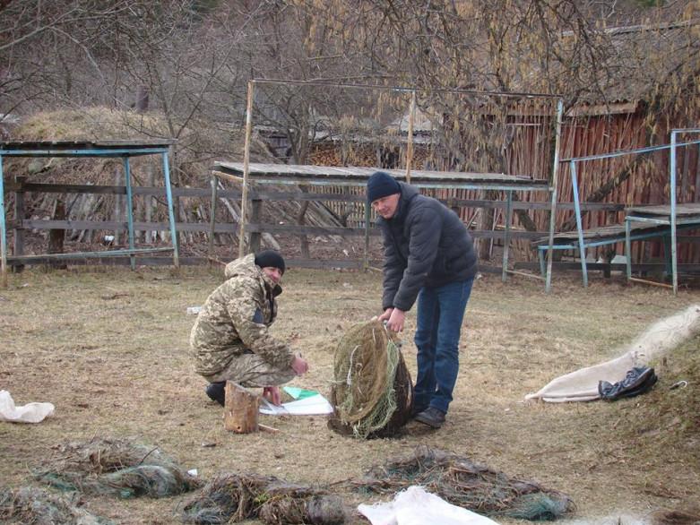 Знаряддя браконьєрського лову передані на склад для зберігання