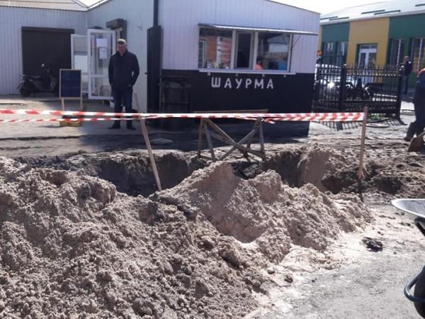 Біля автостанції  облаштовують зливову каналізацію
