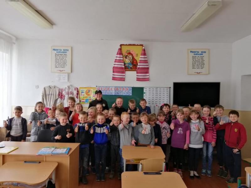На Любешівщині школярам розповіли про їхні права й обов'язки
