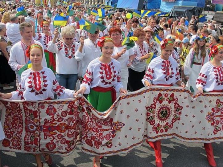 Як у Любешеві відзначатимуть День вишиванки