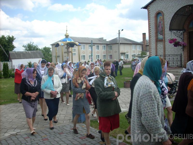Храмове свято у Любешеві