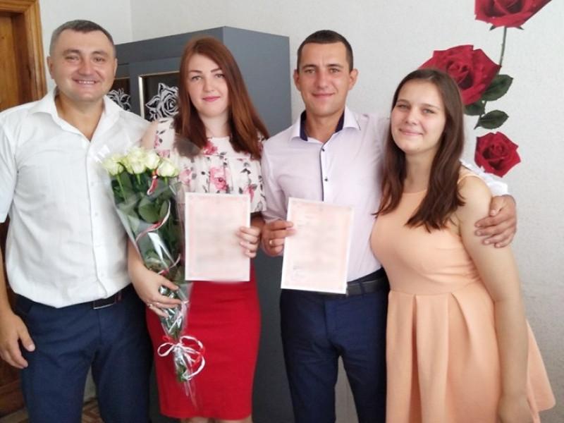 У Любешеві одружилися три Наталі