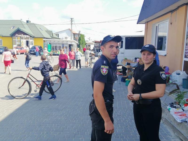 На ринку і автостанції у Любешеві шукають жебраків