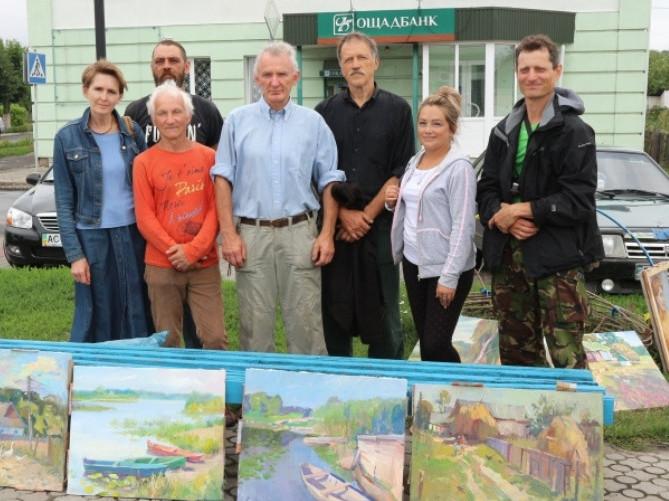 Українські художники представили виставку картин з пейзажами Любешівщини