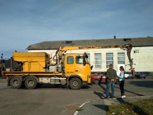 Ремонтна техніка в Любешеві