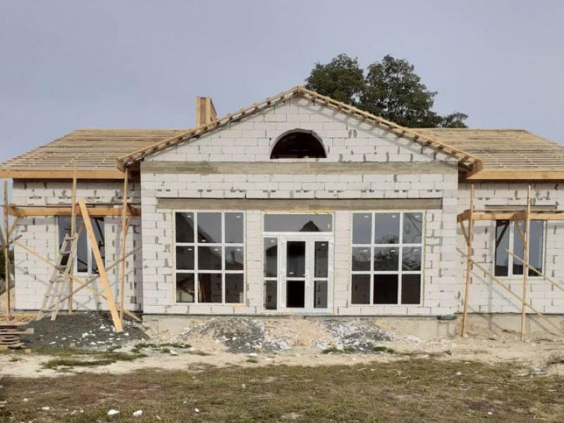 Будівництві амбулаторії в Бірках