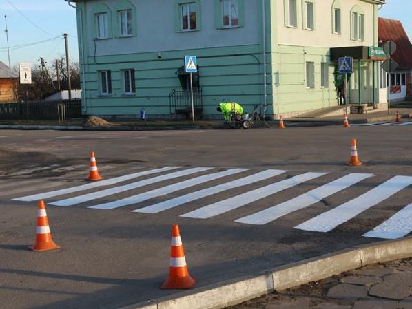 У центрі Любешева