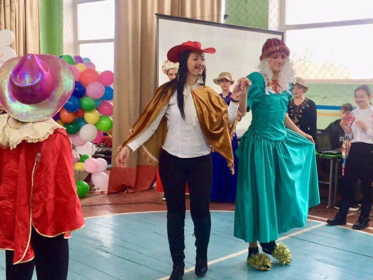 Комедія «Cinderella» у виконанні гімназистів