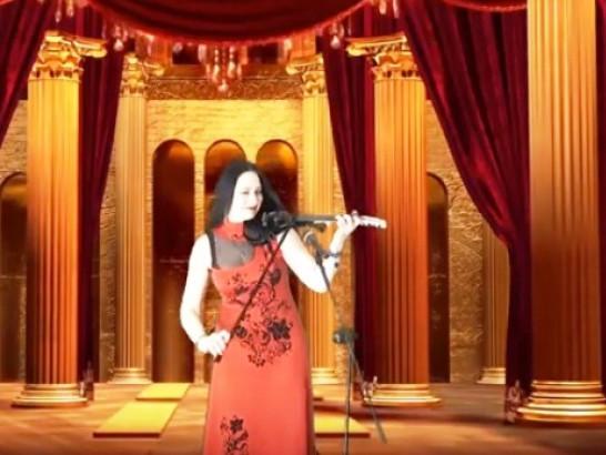 Наталія Горщар виконує оперну пісню