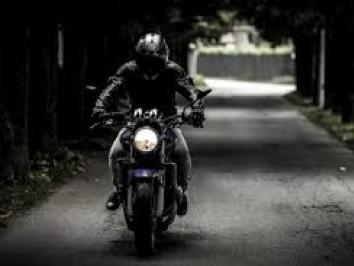 П'яний на мотоциклі. Фото ілюстративне