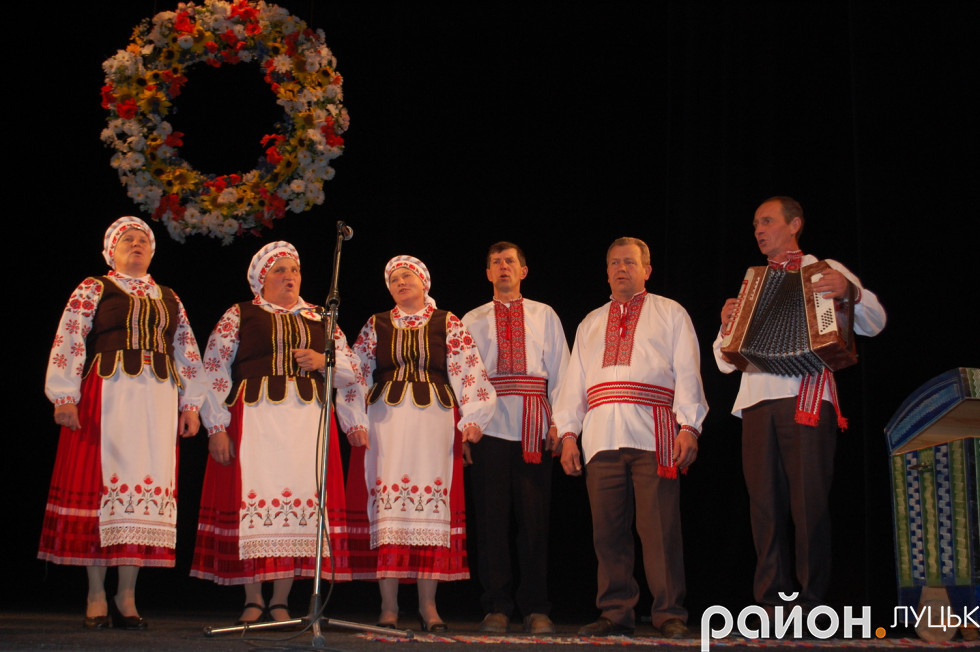 Марія Шевчик із своїм колективом