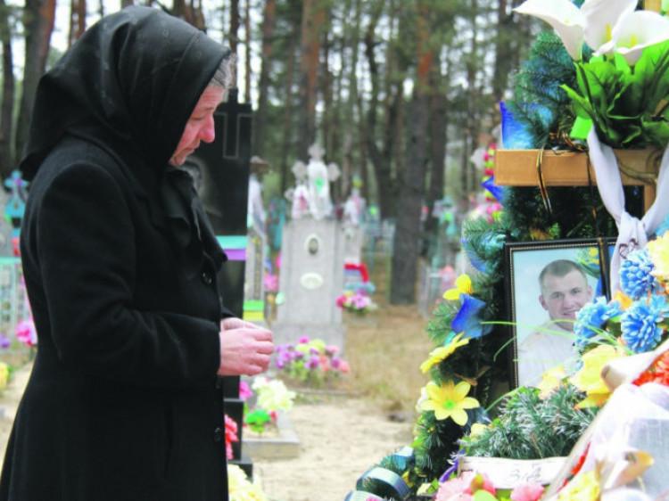 На могилі Івана Пасевича