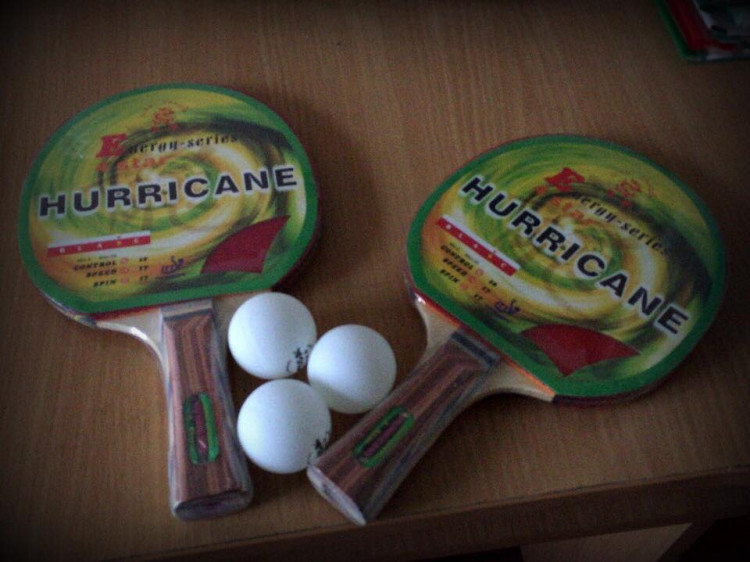 Такими ракетками у селі Гірки тепер грають теніс