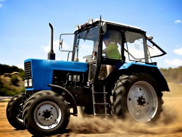 Шукають тракториста