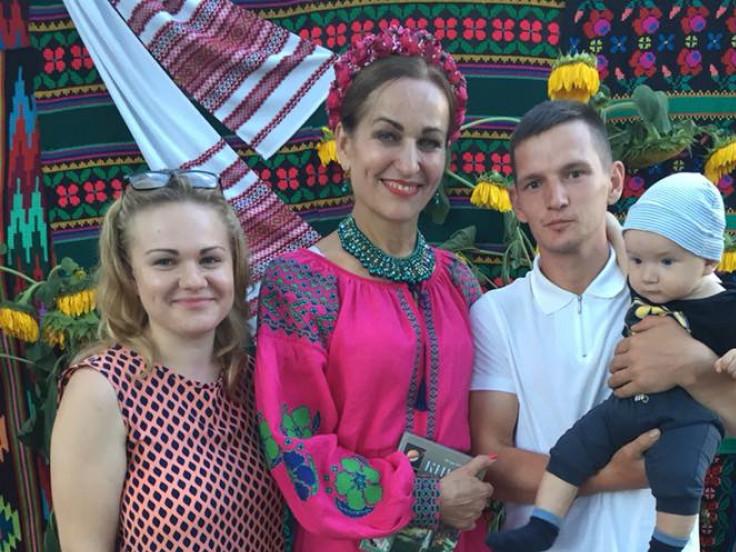 Ірина Гречко із шанувальниками