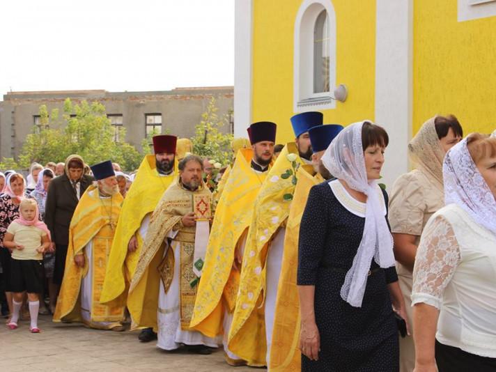 Хресна хода під час храмового свята в Любешеві