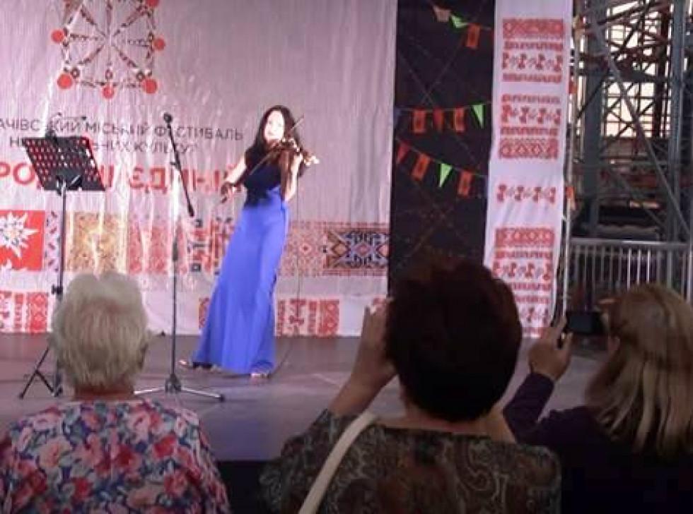 Наталія виступає на фестивалі «Вариське пиво»