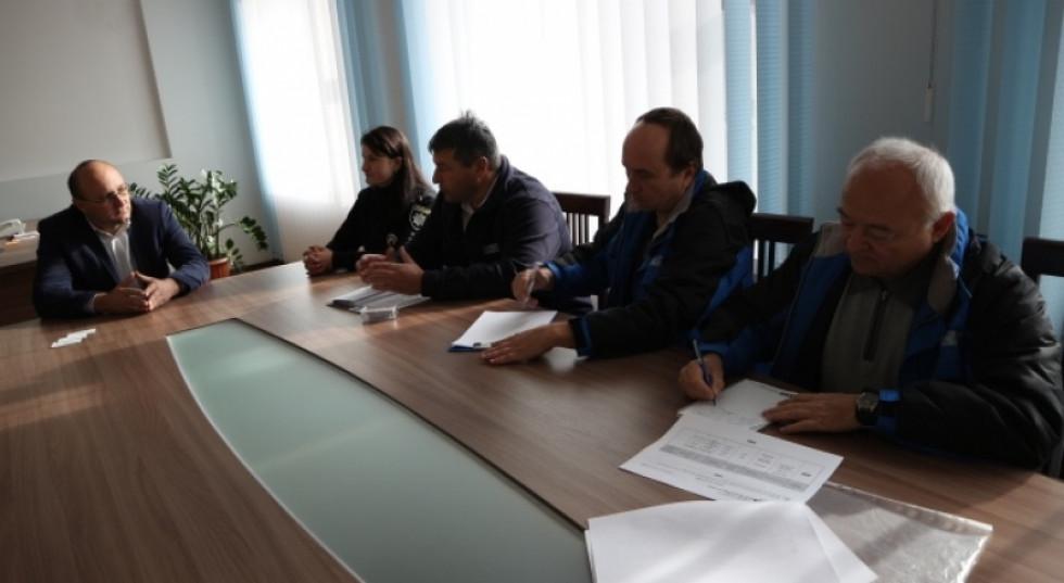 Зустріч представників ОБСЄ із селищним голоовю Олегом Кухом