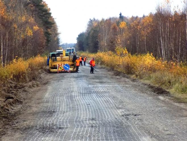 На Любешівщині ремонтують дорогу