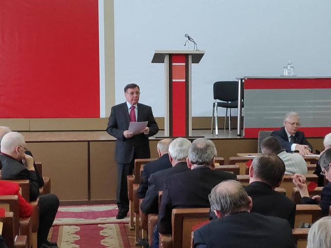 Адам Мартинюк висуває кандидата від комуністів