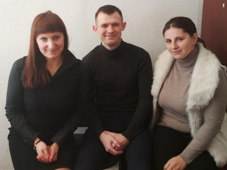 Ніна Хомич (ліворуч) із колегами