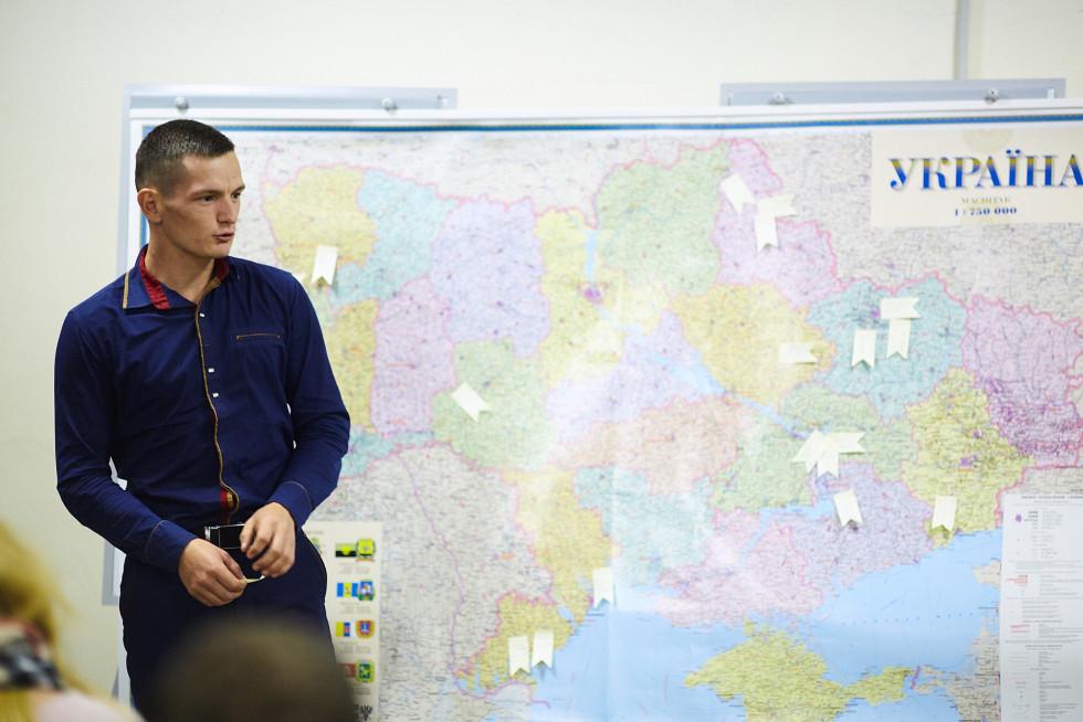 Едуард Гречко на навчанні для параюристів