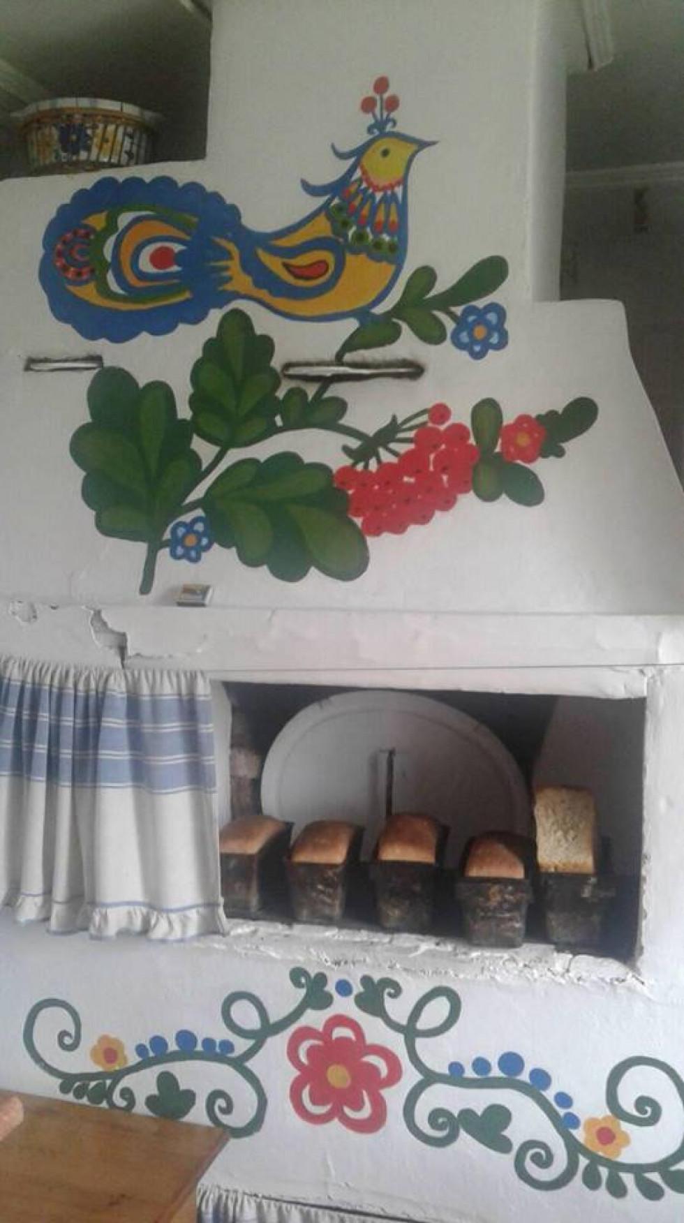 Піч у якій досі печуть хліб