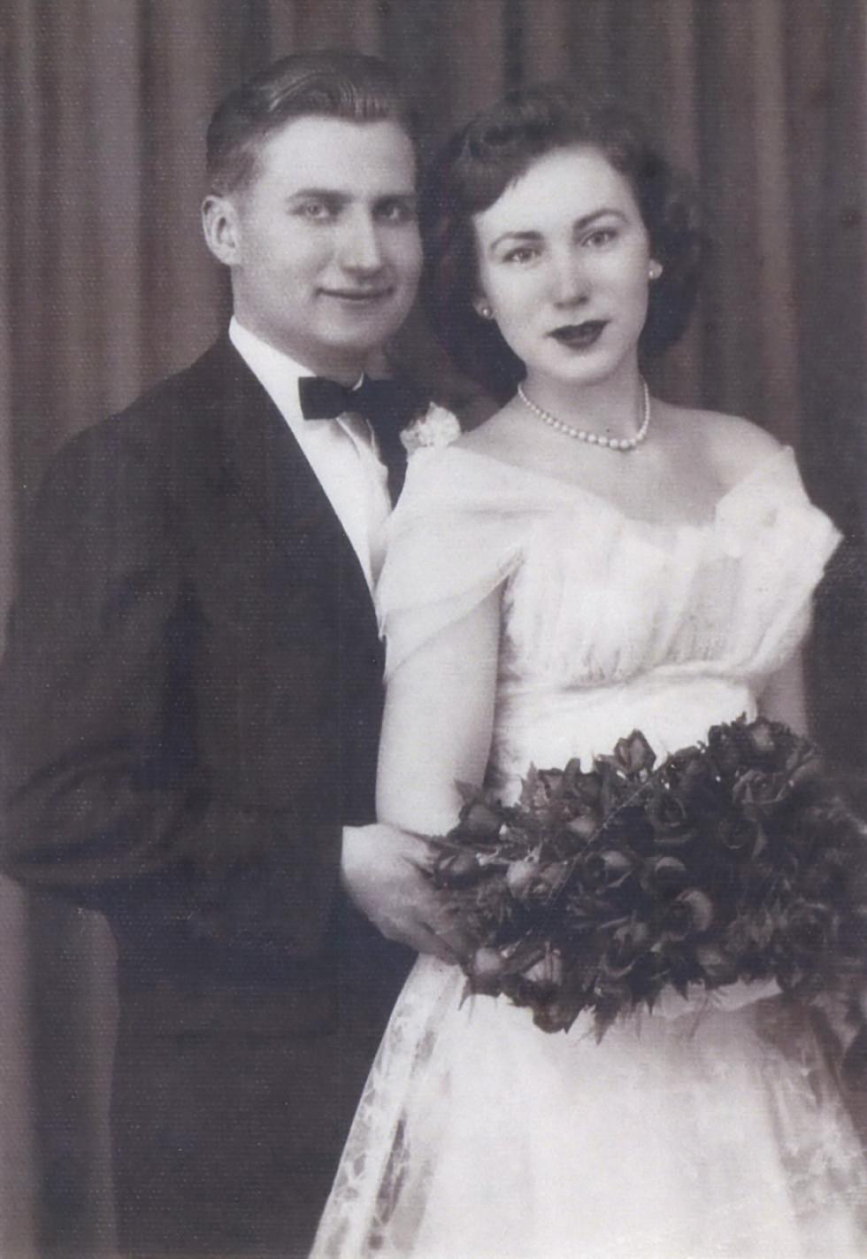 Герець Михайло з дружиною Аллою. Весільне фото