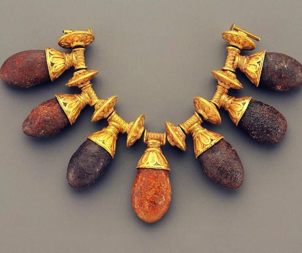 Грецьке золоте намисто з бурштином, 6-4 ст. до н.е.
