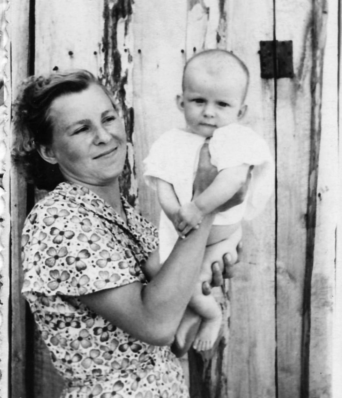 Педітр Ніна Гуцуляк зі своєю донькою