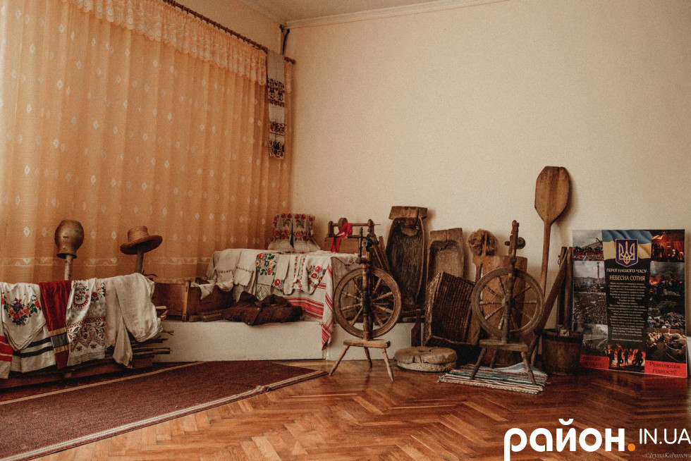 Народознавча кімната музею у Лобні